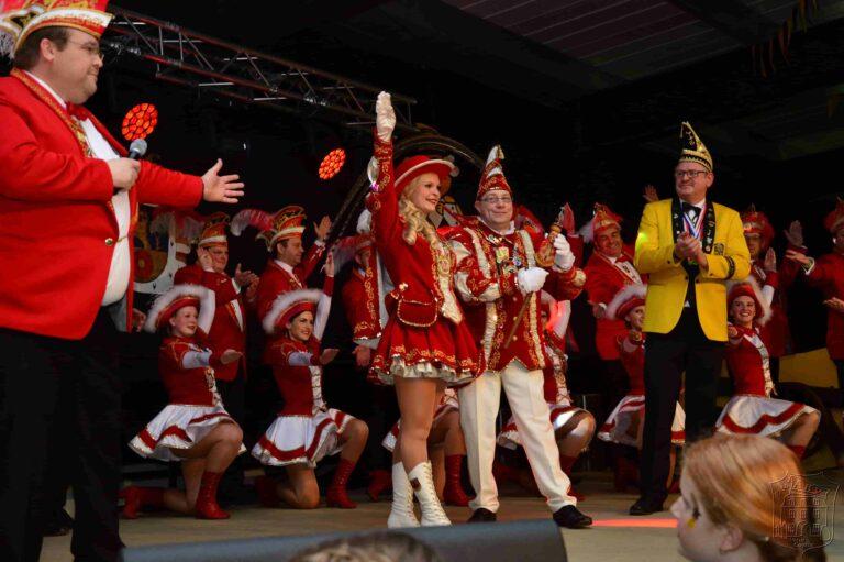 Prinzengarde der Gemeinde Kranenburg auf dem Gardebiwak in Asperden